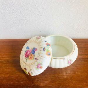 Vintage porcelain Japanese trinket jewelry box